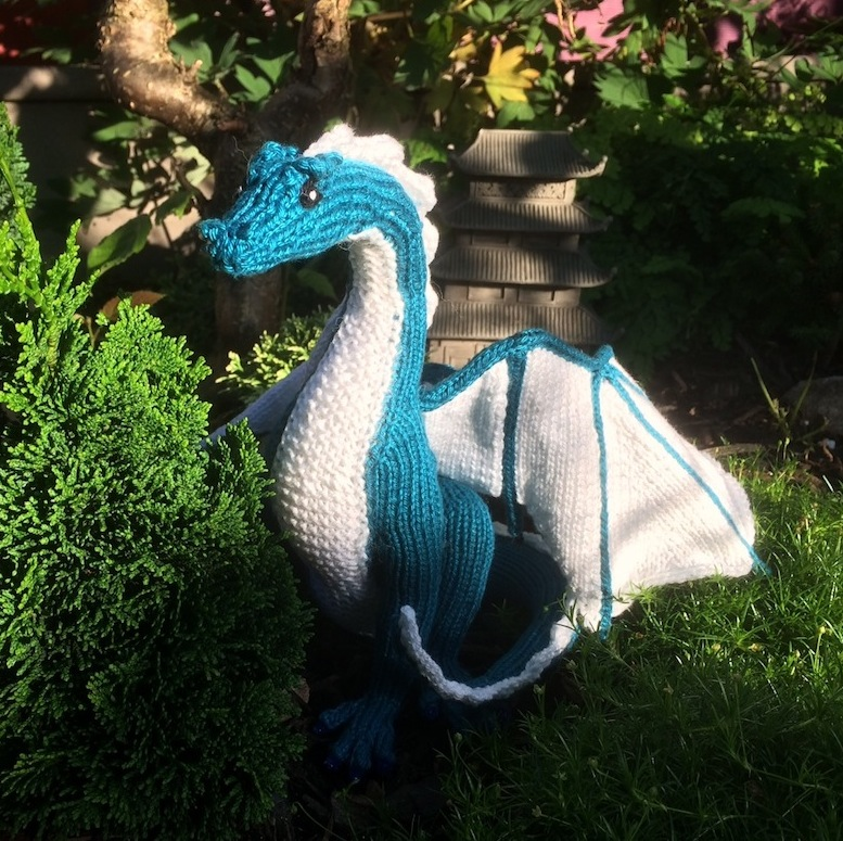 Knitting Pattern For Dragon : Kim Harrisons Knitted Dragon
