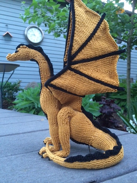 Free Knitting Pattern Dragon Toy : Kim Harrisons Knitted Dragon